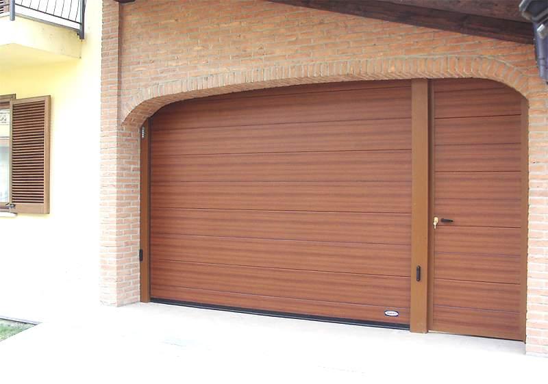 Секционные гаражные ворота с пружинами растяжения
